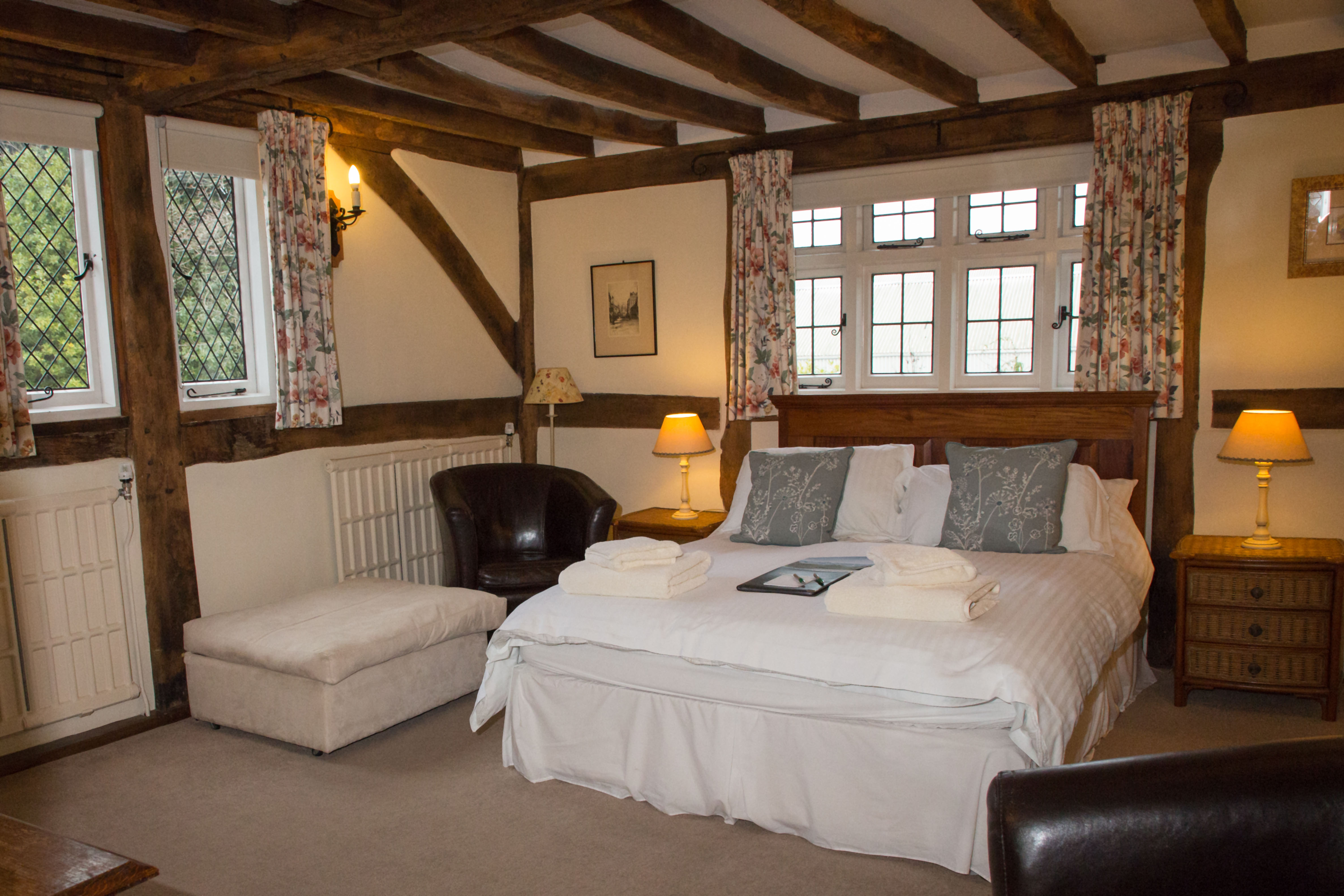 Bed and Breakfast in Windsor - The Old Farmhouse Windsor